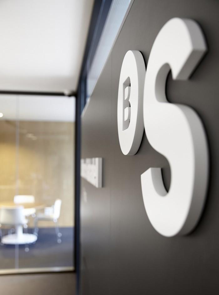 Inauguradas las nuevas oficinas de banco sabadell en paris for Oficinas bancsabadell